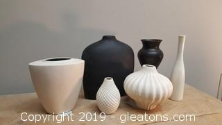 Set Of (6) Black/White Contemporary Set Of Creative Vases