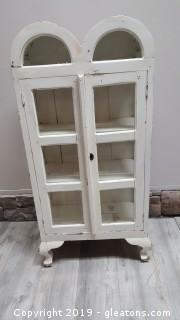 Vintage Footed Small China/Curio Cabinet