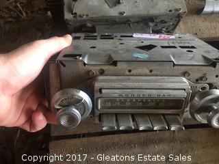 68 - 72 Olds Mobile AM/FM Radio Wonder Bar