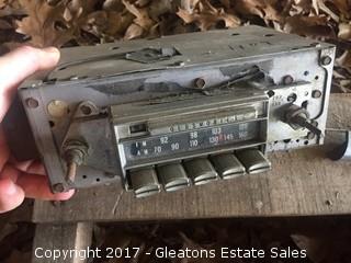 72 Oldsmobile Radio