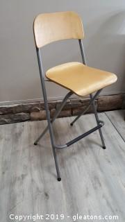 Retro Wooden Back/Bottom Counter Height Stool With Foot Rest Folding Chair