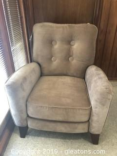 New Lane Brand  Reclining Club Chair B