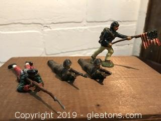 Lot of Britians Toy lead Soldiers