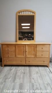 Nice Solid Wood Dresser Lots Of Drawers/Hidden Drawers With Mirror