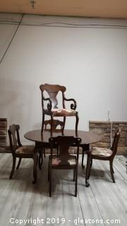Vintage Pennsylvania House Table And (5) Chairs