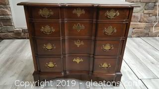 Vintage Pennsylvania House Matching Chest Of Drawers Or Side Table