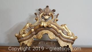 Italian Hand Carved Wooden Gold Gilded Decorative Wall Hanger