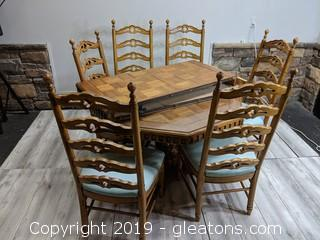 Unique Thomasville Dining Table