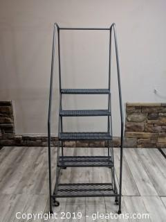 Rolling/Stationary Utility Ladder