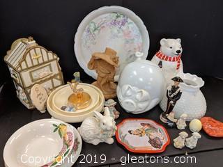 Box Lot Misc Jars Figurines Glassware