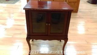 SMALL SHOW CASE WITH LEGS