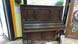 1900 CENTURY UPRIGHT PIANO /WITH IVORY KEYS
