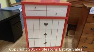 VINTAGE RED AND WHITE CHEST