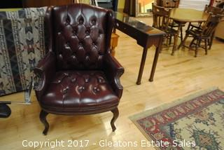 TRADITIONAL STYLE VINYLE WING BACK GUEST CHAIR