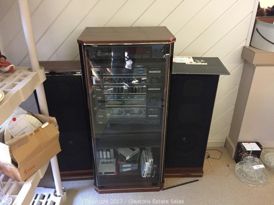 Vintage Pioneer Stereo System And Speakers