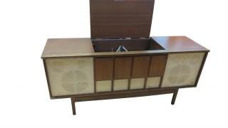 SYMPHONIC RECORD PLAYER IN CONSOLE