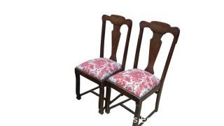EIGHT ANTIQUE WOOD CHAIRS WITH CLOTH BOTTOM