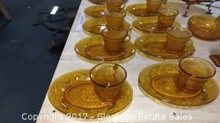 EIGHT TIERRA AMBER SNACK PLATES WITH CUP